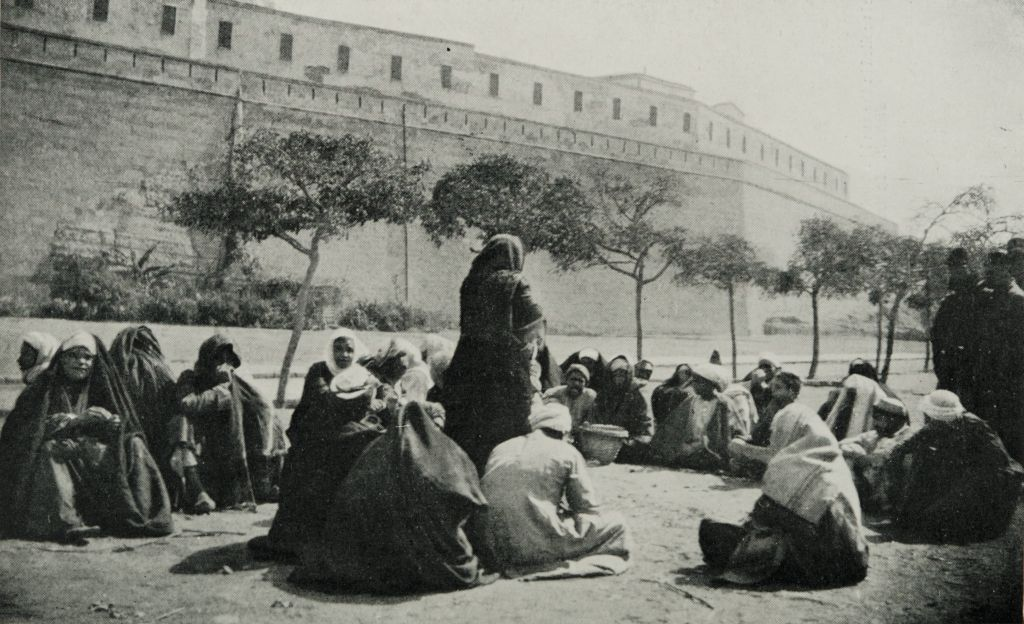 A_Story-teller_reciting_from_the_-Arabian_Nights.-_(1911)_-_TIMEA