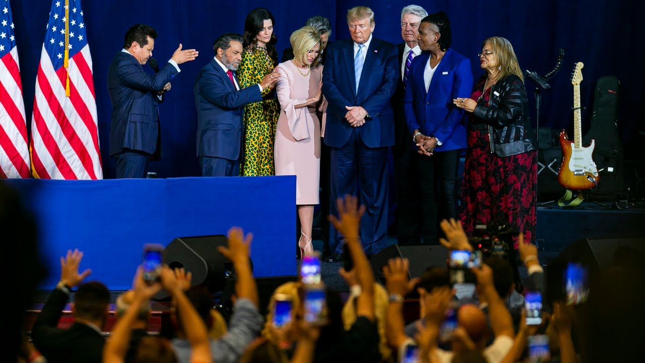 Court evangelical prayer in Miami
